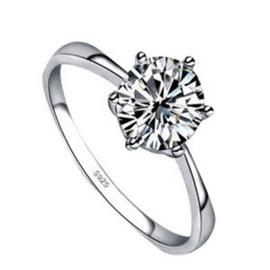 Jewelry - CZ solitaire ring size 7